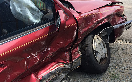 Anterior cruciate ligament injuries can happen during violent automobile accidents