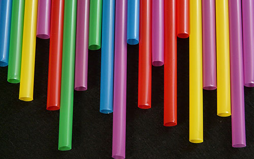 Indoor games and activities with straws for family and friends