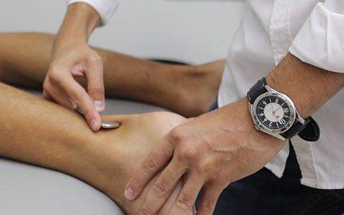 Bone spur treatments may be prescribed and performed by a physical therapist